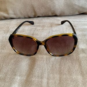 Accessories - Trendy Tortoise Shell Sunglasses | NWOT